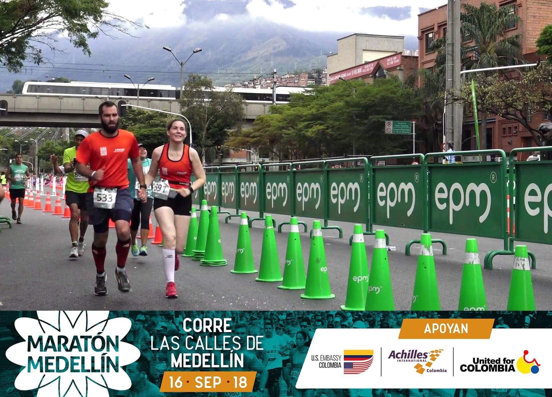 Marjorie et Simon au Marathon de Medellín